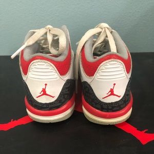 "Toddlers Jordan 3 Retro ""Fire Red"" size 8C"
